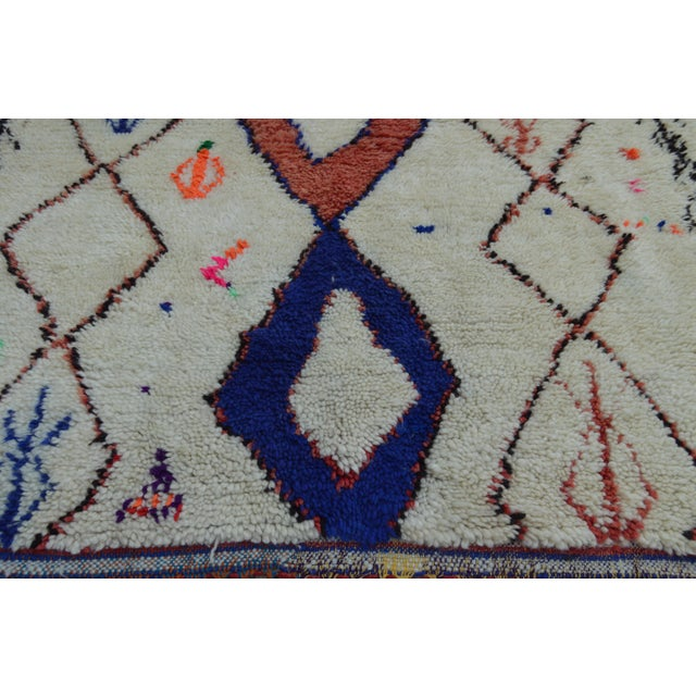 Boho Chic Vintage Moroccan Azilal Rug - 8'7'' x 4' For Sale - Image 3 of 7