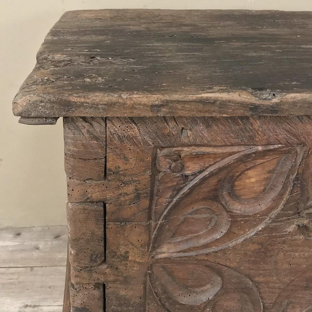 Brown 17th Century Spanish Trunk For Sale - Image 8 of 12