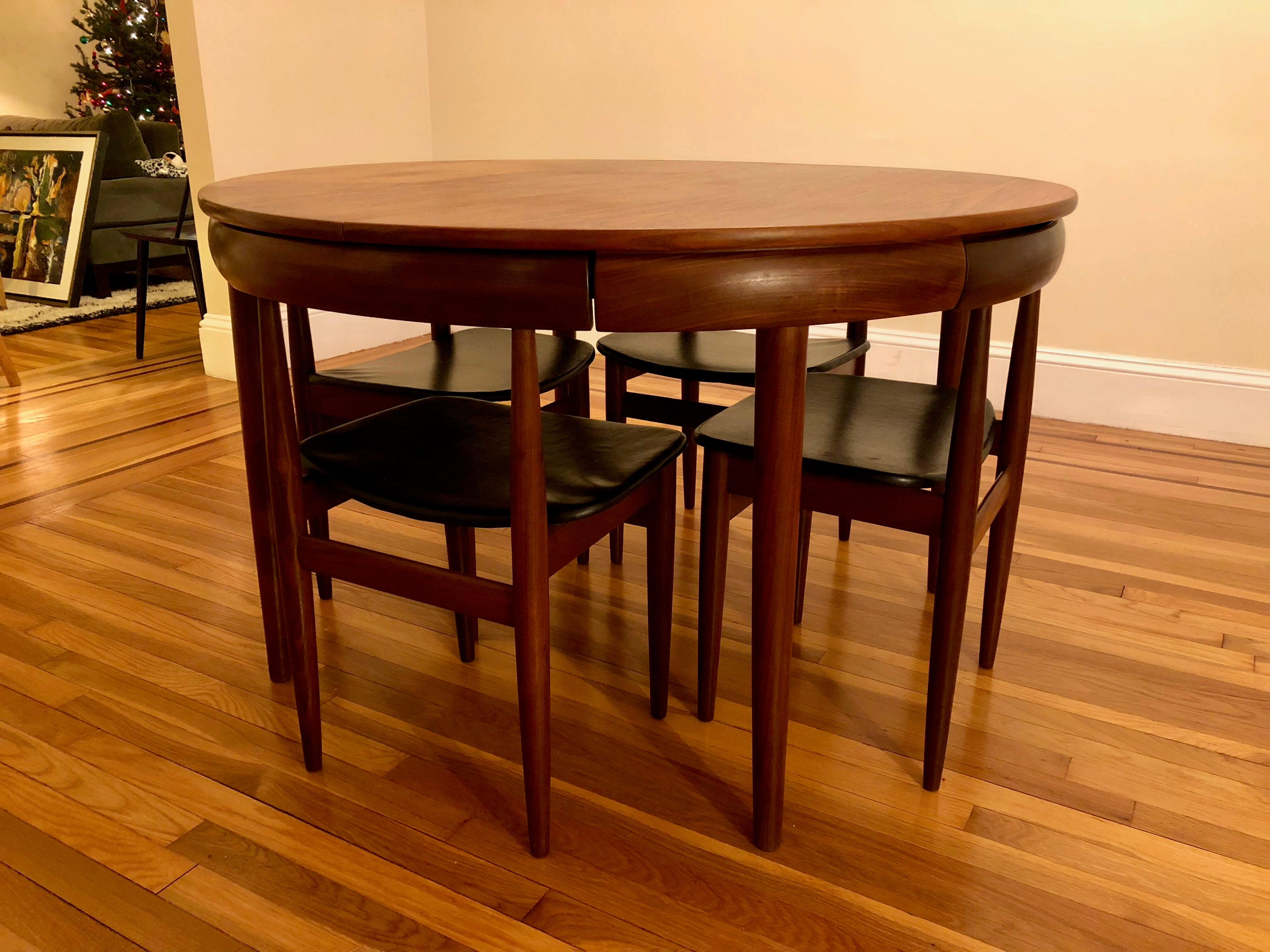 Hans Olsen For Frem Rojle 1960s Danish Modern Expandable Teak Table And  Chairs   Dining Set