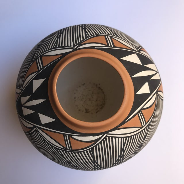 2000 - 2009 Acoma Pueblo Pottery Signed Char Victorino For Sale - Image 5 of 8