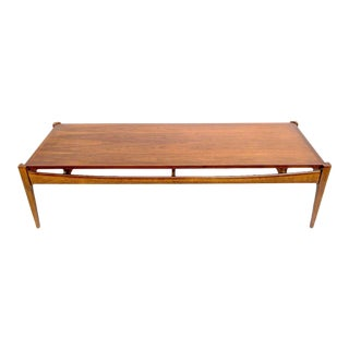 Mid-Century Modern Bassett Furniture Industries Walnut Coffee Table For Sale