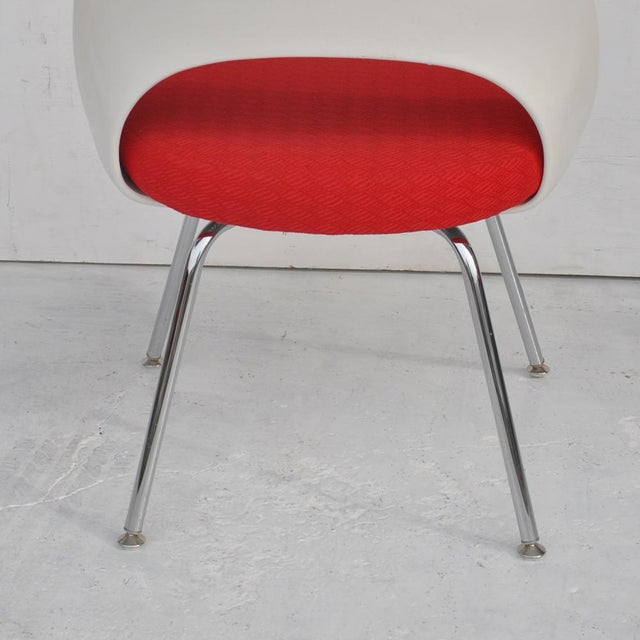Set of Four Contemporary Knoll Eero Saarinen 72c-Piece Dining Side Chairs For Sale - Image 10 of 13