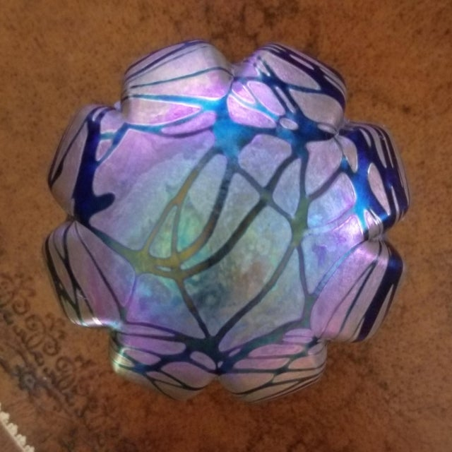 Art Deco Vintage Brian Maytum Violet & Green Iridescent Paperweight For Sale - Image 3 of 6