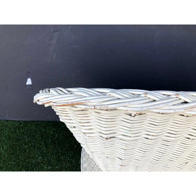 White 1970s Wicker Coastal Settee Rattan Love Seat For Sale - Image 8 of 12