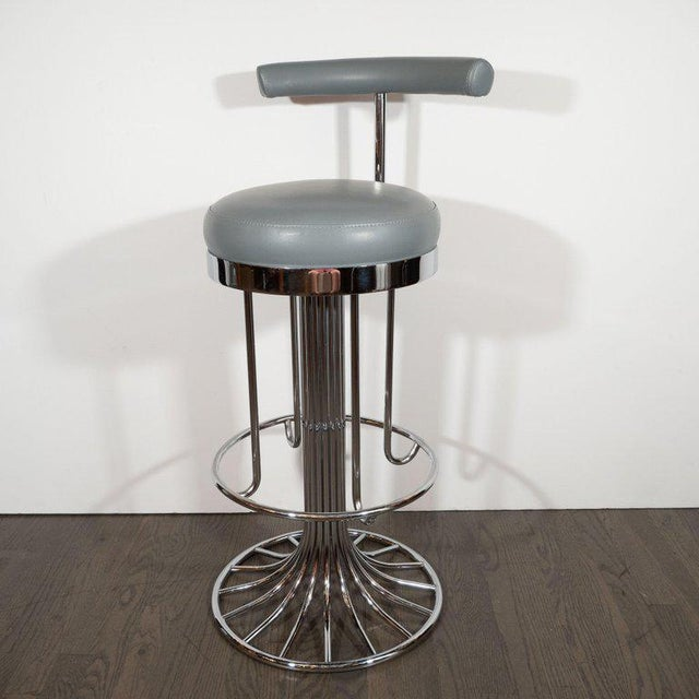 Set of Three Mid-Century Modern Chrome and Dove Gray Swivel Bar Stools For Sale - Image 4 of 8