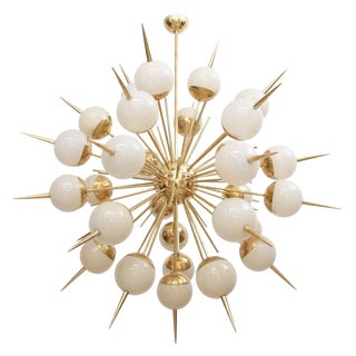 1 of 2 Huge Sputnik Murano Glass and Brass Chandelier Attributed to Stilnovo For Sale
