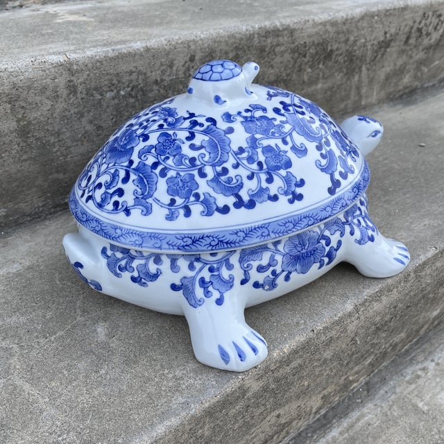 This is the cutest! Vintage Chinese blue and white turtle tureen. Excellent condition. Nice additional to your blue and...
