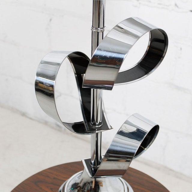 Mod '70s Chrome Table Lamp With Ribbon Motif For Sale - Image 5 of 7