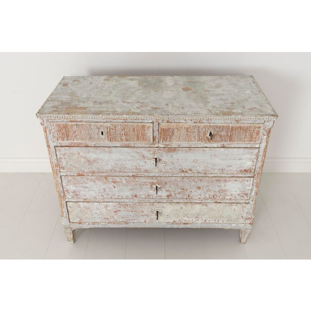 18th Century Swedish Gustavian Period Commode in Original Paint For Sale In Wichita - Image 6 of 11