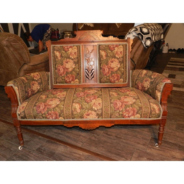 5 piece Victorian style Eastlake Parlor Set includes 1 settee, 1 arm chair and 3 side chairs.