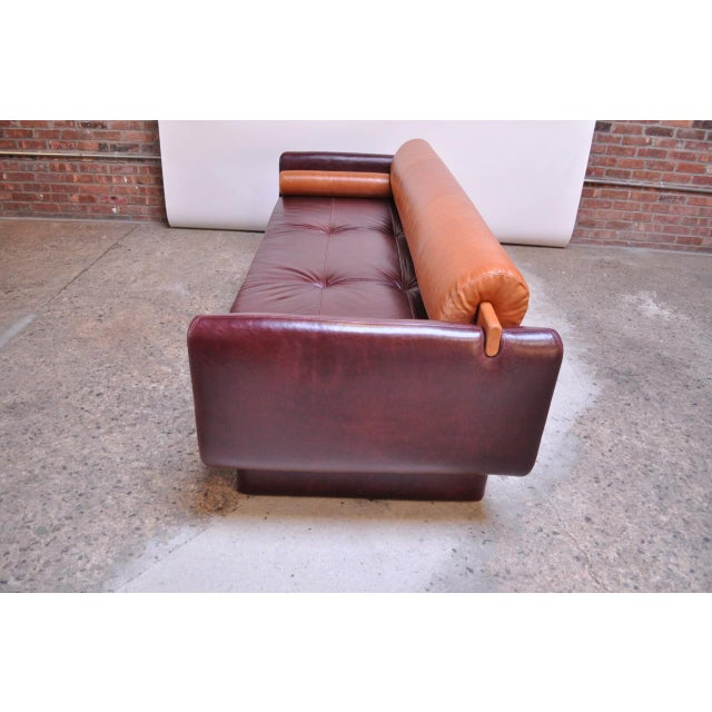 Leather 'Matinee' Sofa / Daybed by Vladimir Kagan For Sale In New York - Image 6 of 13