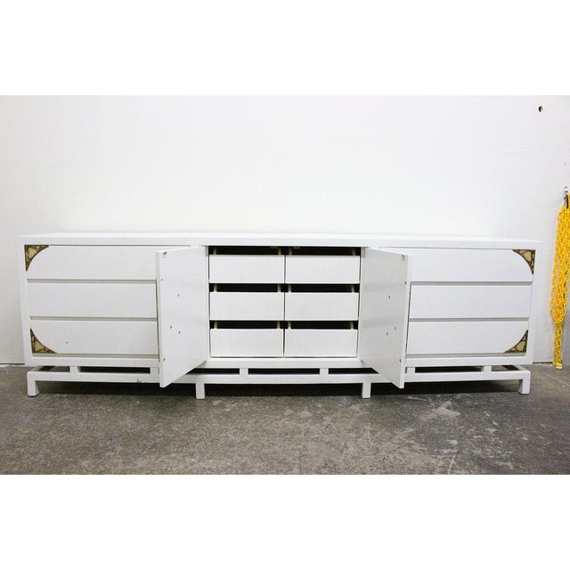 Frank Kyle Lacquered Credenza/Dresser by Frank Kyle With Pepe Mendoza Hardware For Sale - Image 4 of 9