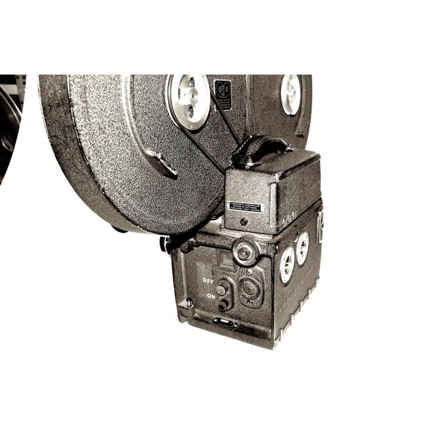 Industrial Auricon Cinema Newsreel Camera Complete and Working. Display As Sculpture. Circa 1955 For Sale - Image 3 of 10