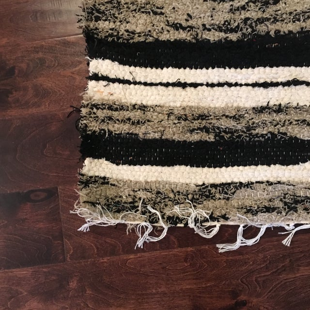 Contemporary Handwoven Recycled Cotton Rug - 3′4″ × 5′9″ For Sale - Image 3 of 5