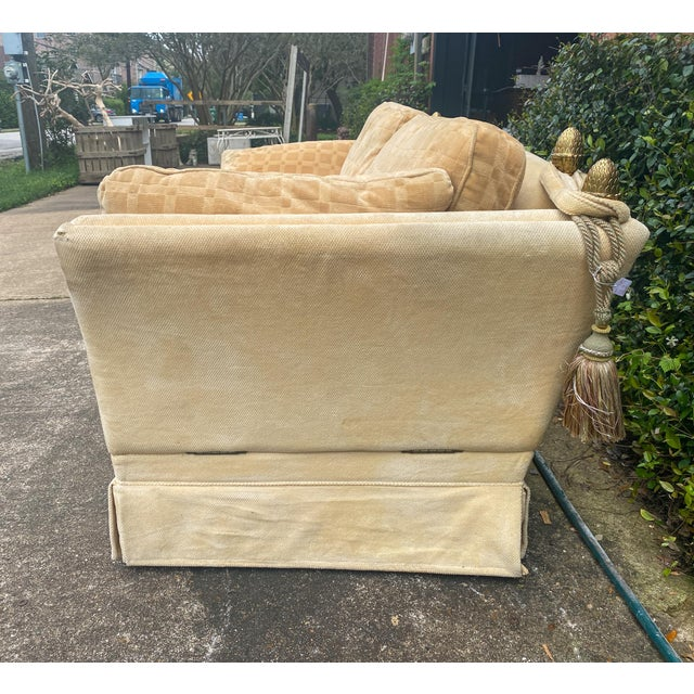 1970s Vintage French Ivory Velvet Canapé Sofa With Adjustable Arms and Brass Finials For Sale - Image 5 of 13