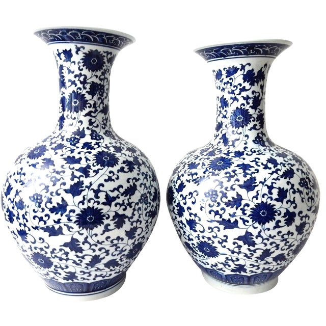 Blue & White Onion-Shape Vases - A Pair For Sale