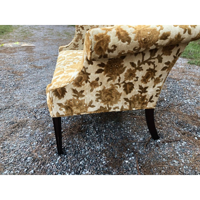 Traditional Antique Velvet Floral Settee For Sale - Image 3 of 13