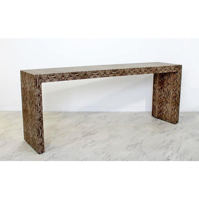Late 20th Century Mid-Century Modern Snakeskin Parsons Console Table 1970s For Sale - Image 5 of 9