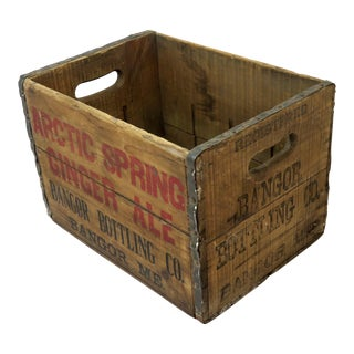 1930s Americana Bangor Maine Ginger Ale Crate For Sale