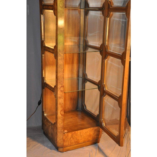 Mastercraft Burl Wood Curio Cabinets - a Pair For Sale In Philadelphia - Image 6 of 7