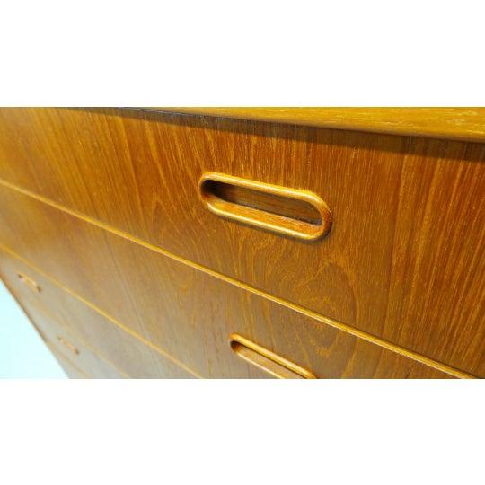 Wood 1960s Mid Century Danish Modern Teak Chest 5 Drawer Dresser by Falster For Sale - Image 7 of 9