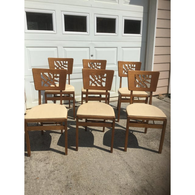 What a rare find to obtain a whole set of 6 authentic vintage Art Deco Style Chairs in solid wood ! The best is yet to...