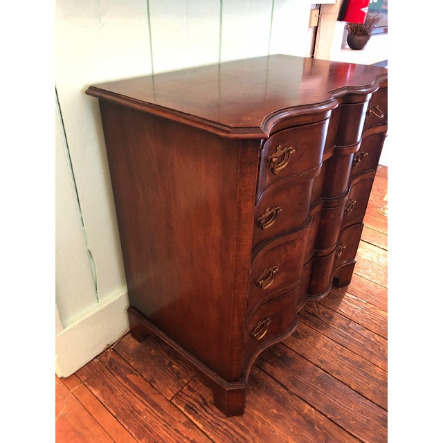 French Antique Serpentine Mahogany French Chest of Drawers For Sale - Image 3 of 13