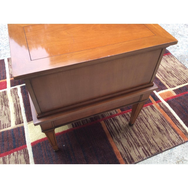 Hekman Furniture Hekman Furniture Mid-Century Modern End / Side Table For Sale - Image 4 of 12