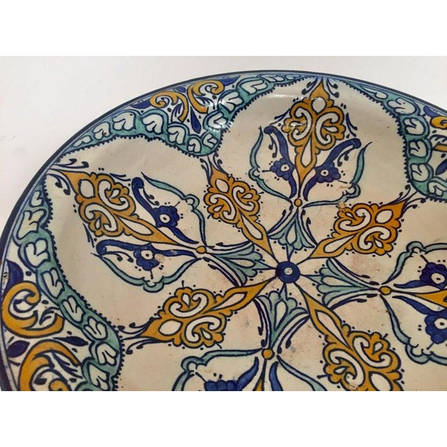 Large Moroccan ceramic bowl handcrafted in Fez by artisans. Hand painted ceramic plate from Fez Morocco. This kind of...