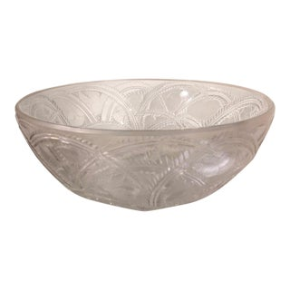 "Excellent Lalique French Crystal Pinson Etched Bird 9.25"" Signed Bowl For Sale"