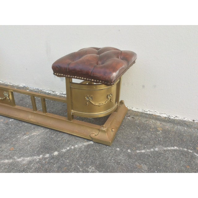 1900s Tufted Leather and Brass Edwardian Fireplace Fender For Sale - Image 5 of 8