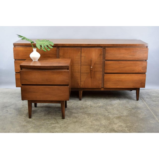 Walnut Mid-Century Walnut Credenza or Dresser For Sale - Image 7 of 7