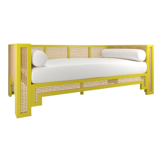 Alexandra Daybed - Citron, Optic White Linen For Sale