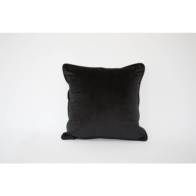A luxuriously soft velour horse pillow cover. Back is solid black. Pillow cover only, does not include insert.