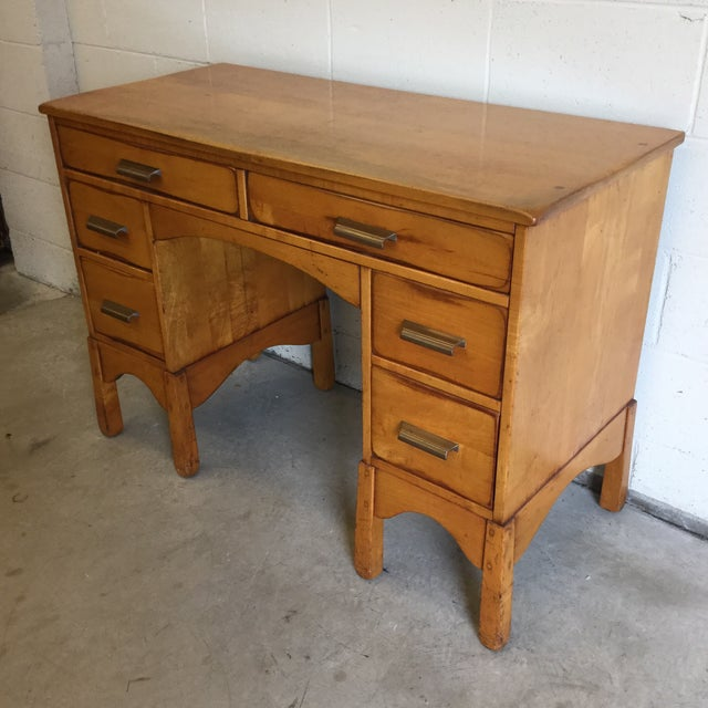 I am not usually a fan of Heywood-Wakefield furniture, but something about this cute little Desk is irresistible! I love...