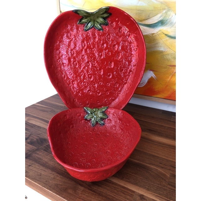 Large Italian Majolica Strawberry Bowl For Sale - Image 9 of 11