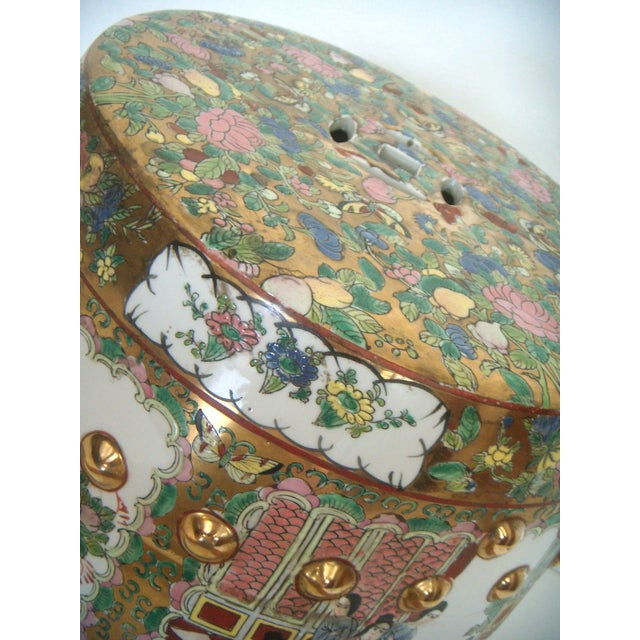 Chinese Rose Medallion Garden Seat/Drum Stool, Gilt Top & Butterflies For Sale In Tampa - Image 6 of 9