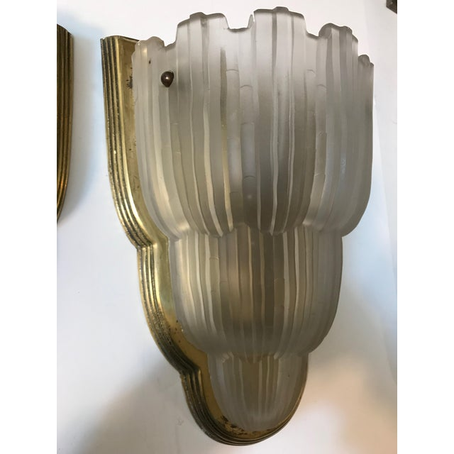 "Art Deco French Art Deco ""Waterfall"" Sconces Signed by Sabino - Set of 4 For Sale - Image 3 of 13"