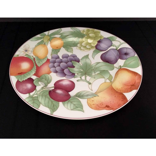 Villeroy & Boch, Gallo Design, FRUTTETO, Chop/Charger Plate, Dishwasher Safe China, Made in Germany A vibrant fruity...