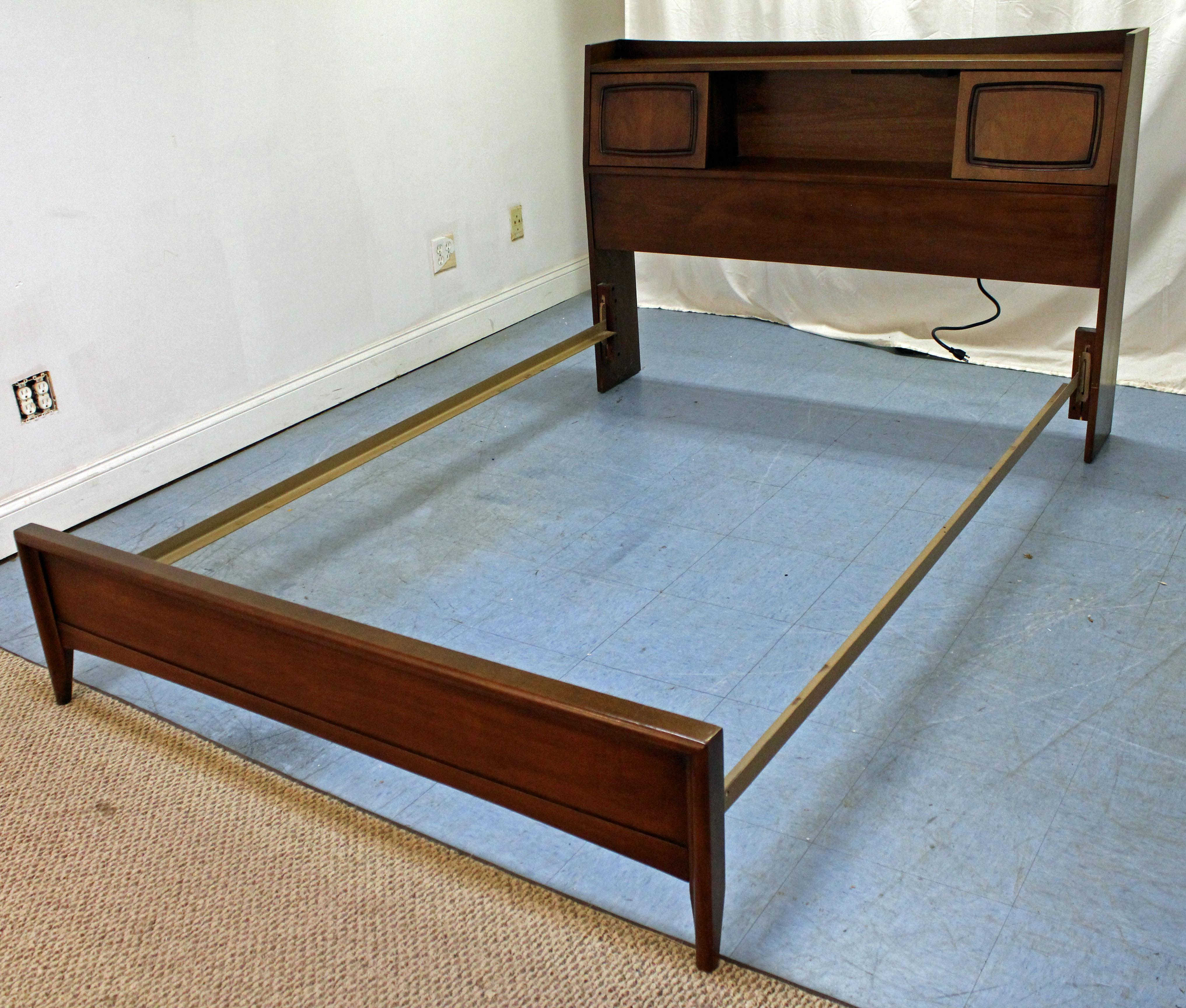Charming Mid Century Modern Mid Century Modern Broyhill Emphasis Walnut Full Size Bookcase  Bed Frame