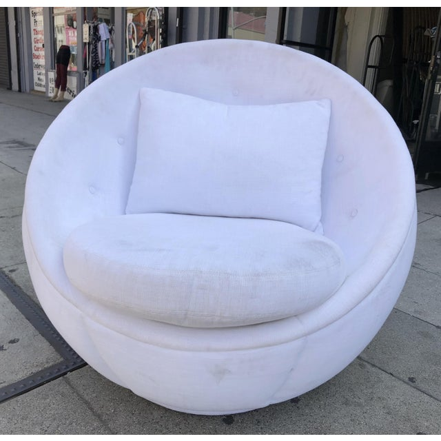 "White Stunning ""Egg"" Swivel Chair by Milo Baughman for Thayer Coggin For Sale - Image 8 of 11"