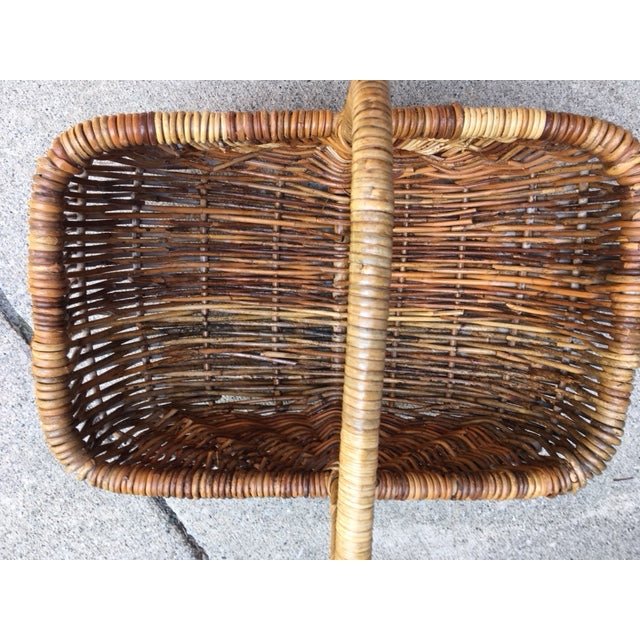 Americana Vintage Wicker Basket For Sale - Image 3 of 6