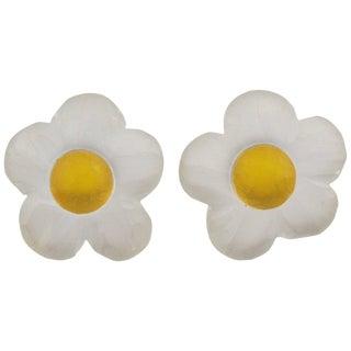 Harriet Bauknight for Kaso Oversized Carved Lucite Daisy Flower Clip Earrings For Sale