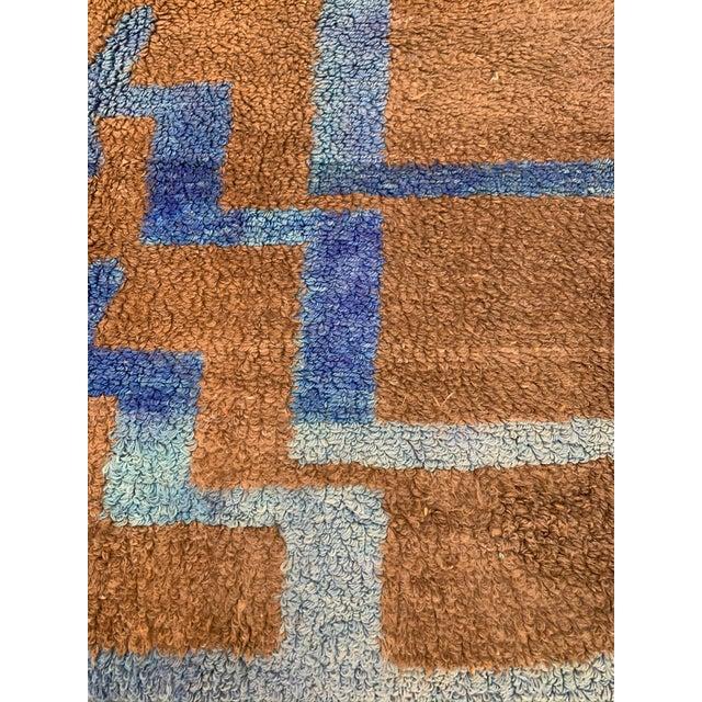 Long Hair Turkish Brown & Blue Geometric Step Pattern Rug- 4′3″ × 6′9″ For Sale In Los Angeles - Image 6 of 9