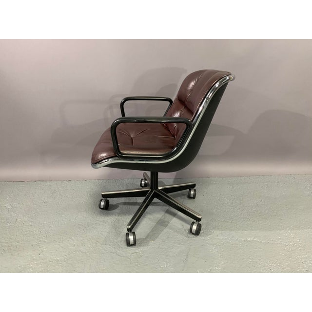 1960s Vintage Charles Pollock for Knoll International Leather Executive Chairs- A Pair For Sale - Image 9 of 13