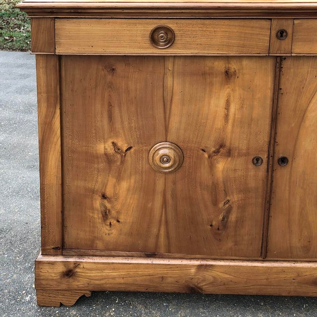 19th Century French Louis Philippe Cherry Wood Buffet For Sale In Dallas - Image 6 of 11