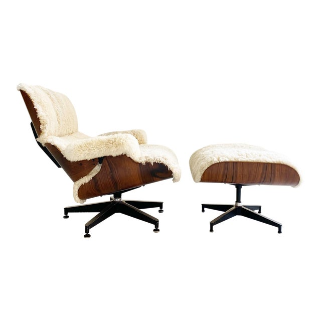 Charles and Ray Eames 670 Lounge Chair and 671 Ottoman in California Sheepskin For Sale