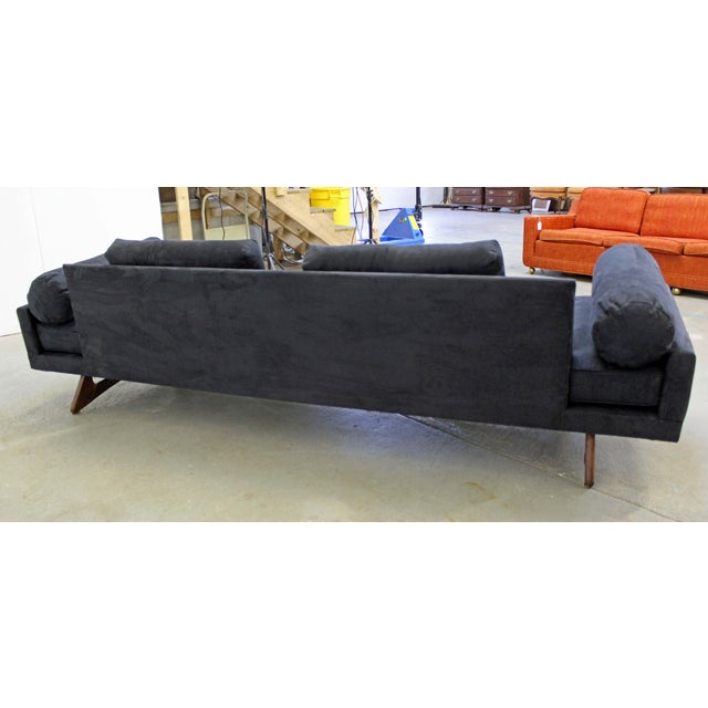 Mid-Century Modern Adrian Pearsall Craft Associates Sculptural Sofa 2408 For Sale In Philadelphia - Image 6 of 13