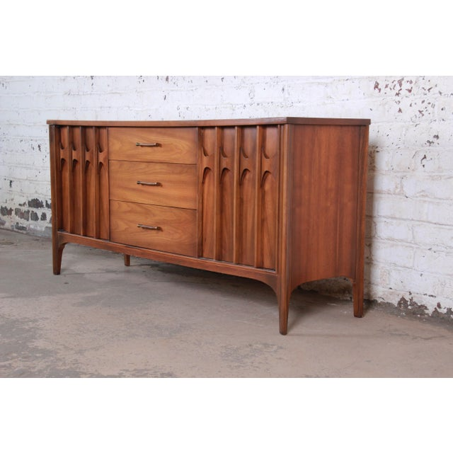 Danish Modern Kent Coffey Perspecta Sculpted Walnut and Rosewood Credenza For Sale - Image 3 of 11