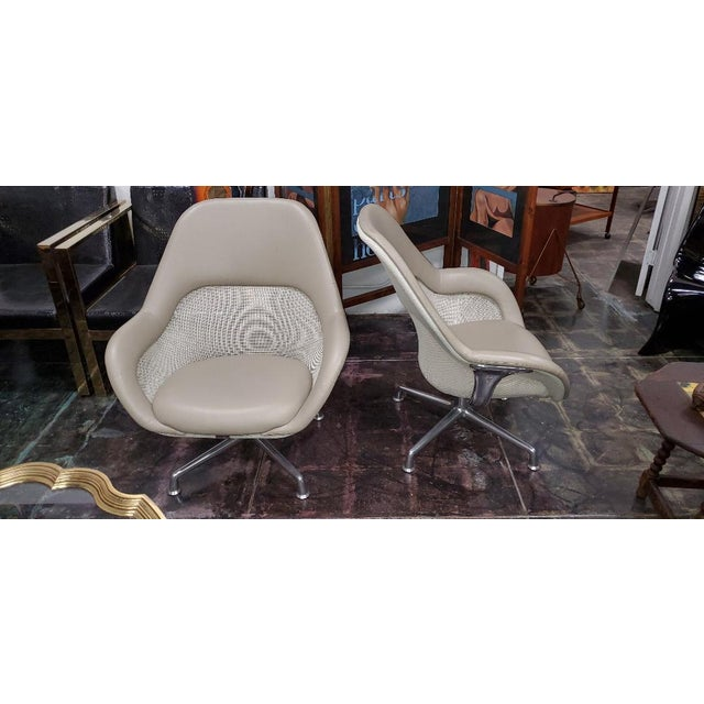 Modern Coalesse for Steelcase Gray Leather Upholstery Lounge Chairs- A Pair For Sale - Image 3 of 13
